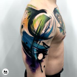 ile kosztuje tatuaz i co wplywa na jego cene abstrakcja