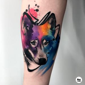 Popularne motywy - tatuaż akwarelowy głowy wilka