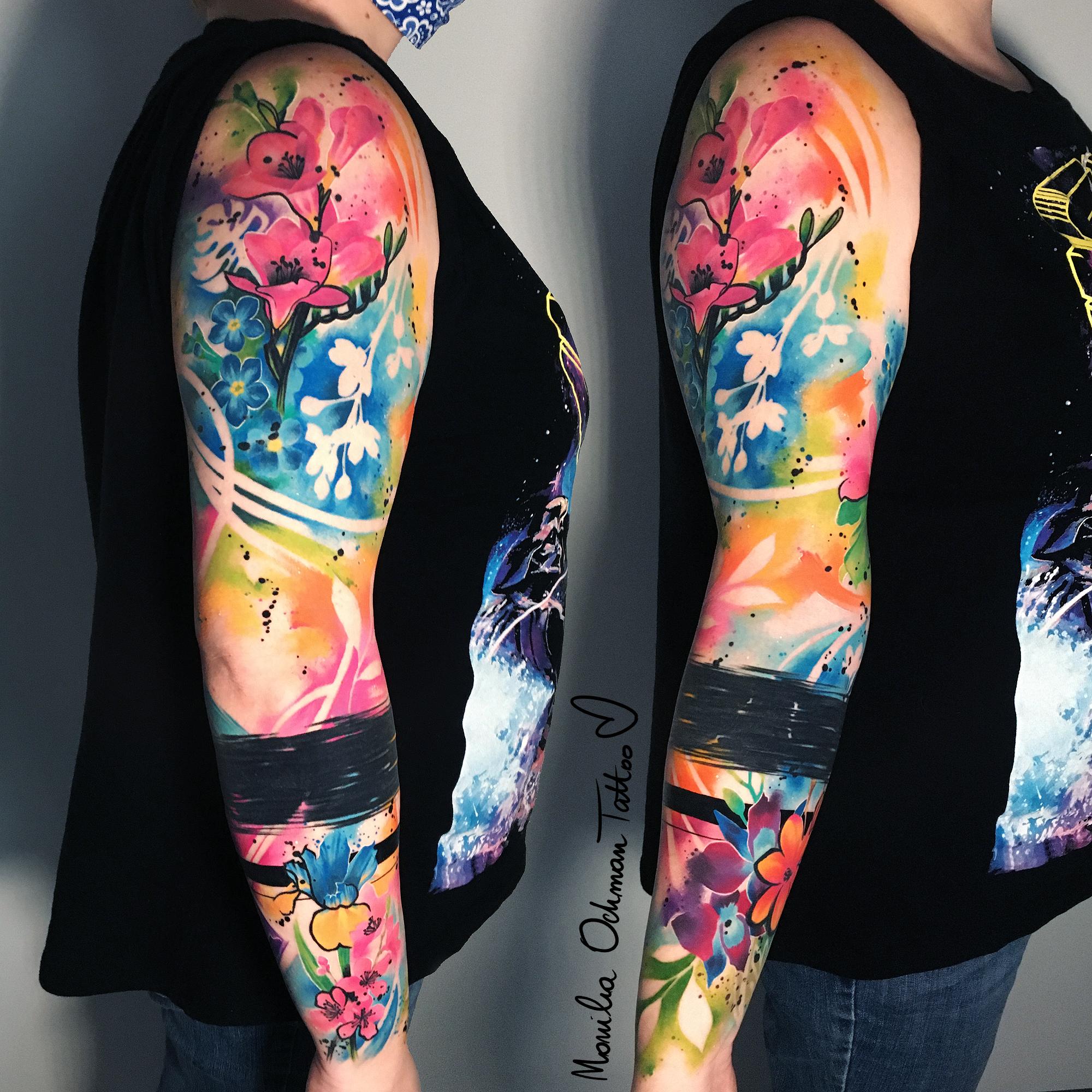 Tatuaż kwiatowy tzw. rękaw autorstwa Moniki Ochman Tattoo